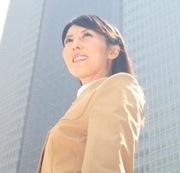 役職のある女性のイメージ写真